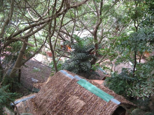 Вид с балкона вниз
