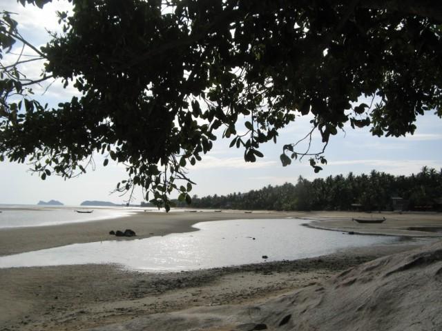 Начало пляжа Хаад Баан Каи