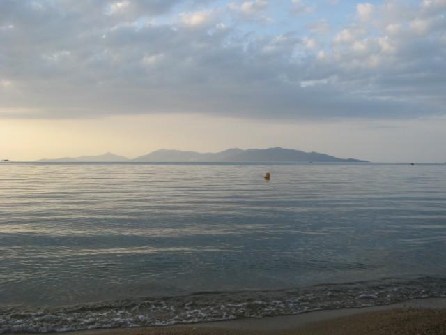 Ко Панган с пляжа Бо Пхут