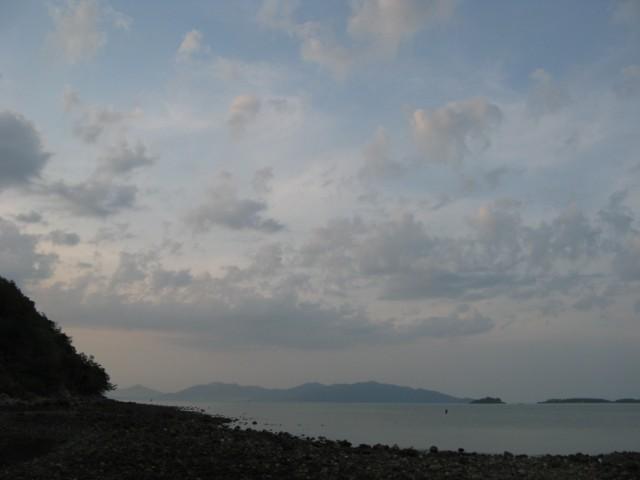 Мысок слева, Ко Панган на горизонте, Ко Сом справа, Банг Рак - за спиной