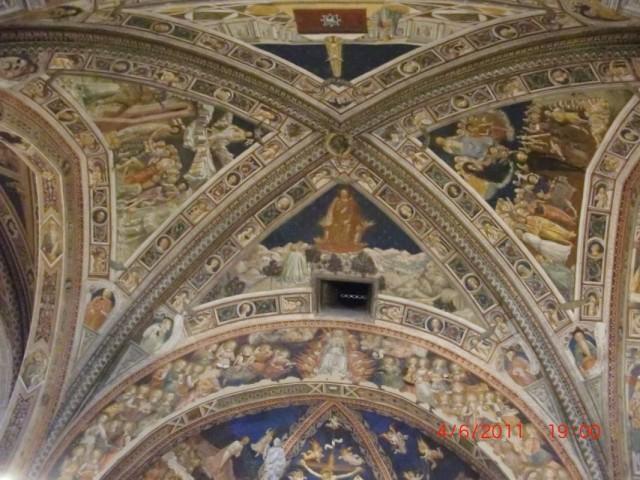 невероятно богато ....даже по сравнению с большинством других храмов Италии