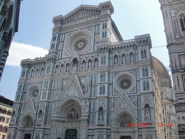 Сколько бы раз ни была во Флоренции -  не могу от него оторваться, и перестать фоторафировать снова и снова - Санта Мария дель Фиоре