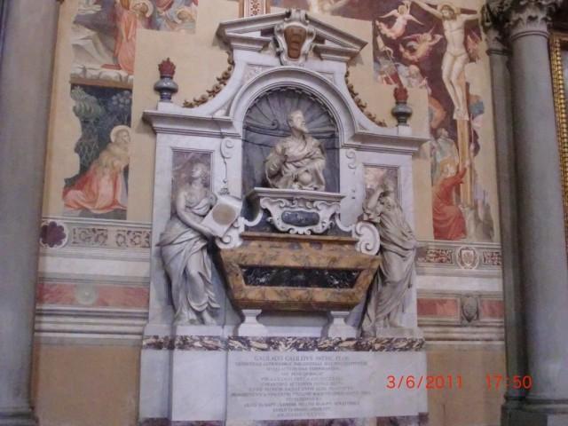 Собор Санта-Кроче, память великих сынов Флоренции - Галилео Галилей
