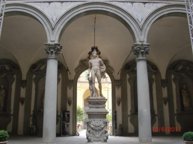 Палаццо Медичи-Рикарди 1