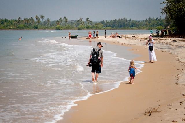 пляж около форта