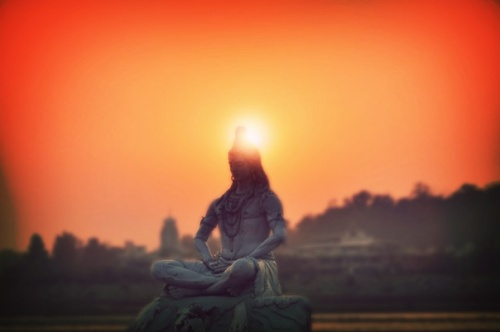 Закат над Ришикешским Шивой