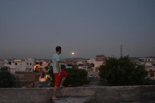 луна над Джайпуром