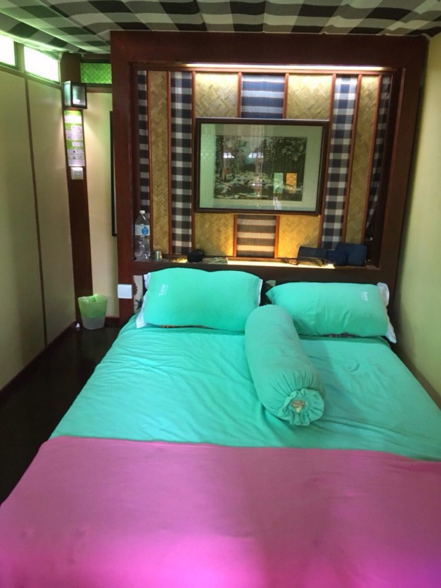 T Star Cottge комната