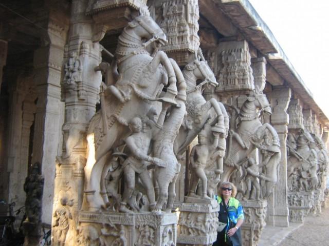 Фото внутри храма 2