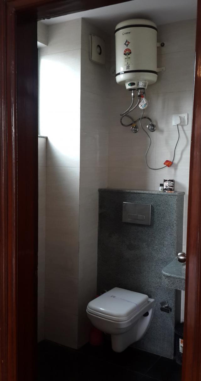 Бойлер, туалетная бумага, мыльце, шампунь, всегда есть холодная вода и горячая