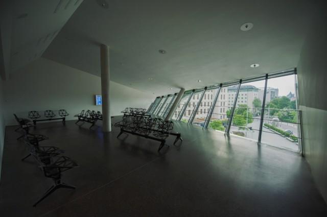 утренний автовокзал- зал ожидания
