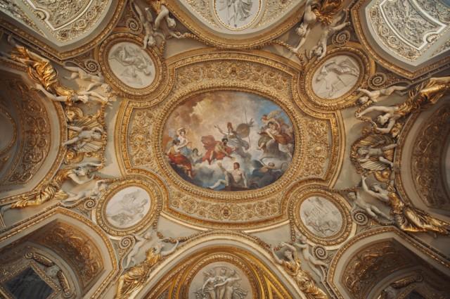 невероятно дивной красоты потолки