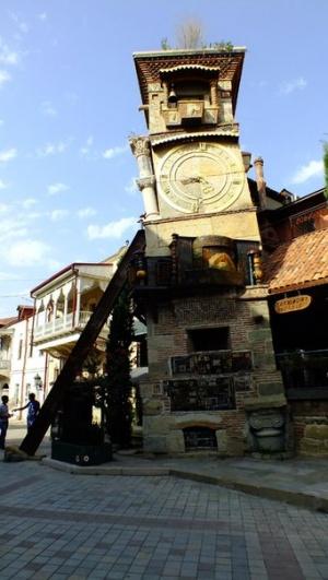 Возле музея кукол. Тбилиси