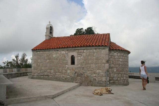 церквушка на верхушке