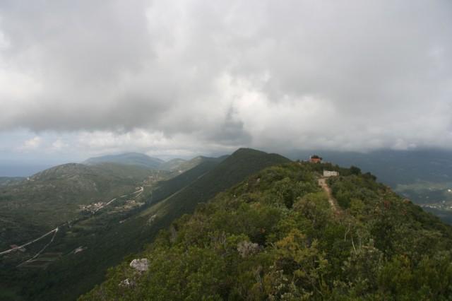 слева Хорватия, справа Черногория