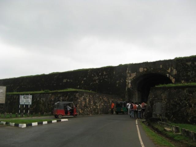 Вход в форт