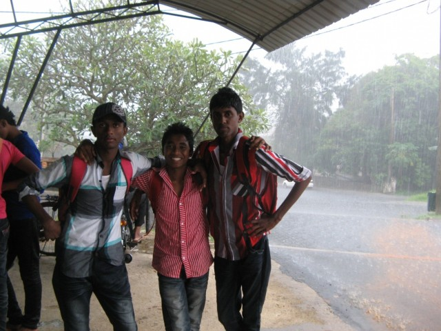 Три Мачана и Дождь