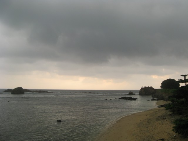 Дождь обходит с тыла - со стороны Большого Бастиона (ага! ж-)))