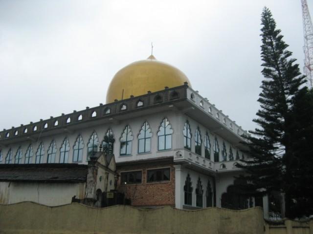 Мечеть в Бандаравеле возле остановки бусов на Веллимаду