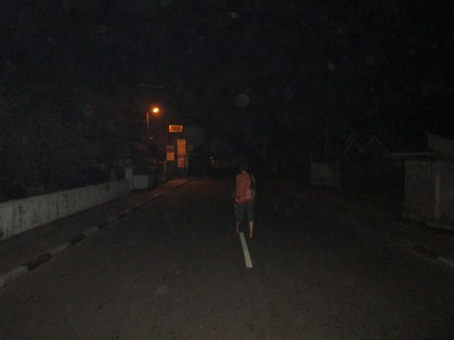 По ночному Негомбо в поисках еды и питья %-)))))