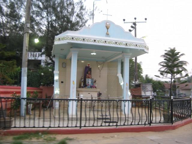 Христианский монумент