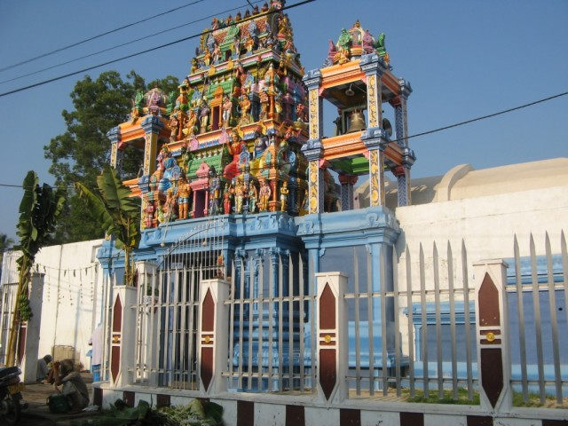 Индуистский храм на подъездах к Негомбо-Сити
