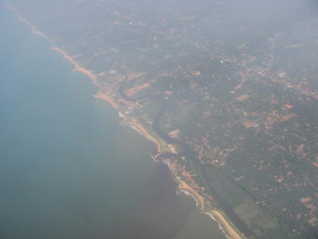 Ланкийский берег за Негомбо дальше на Юг. Куча прикольных бухточек
