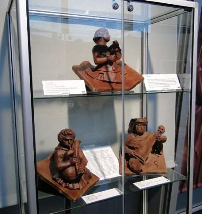 экспонаты других музеев, отлитые в шоколаде