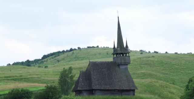 Деревянная церковь в селе Пеничени