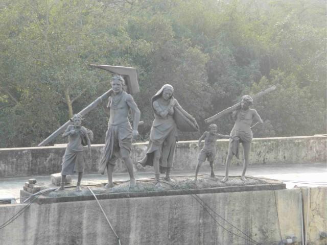 вроде бы мемориал посвященный Ганди