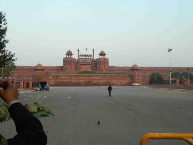 Красный форт в этот день был закрыт((((