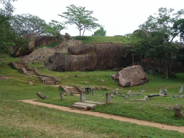руины Anuradhapura