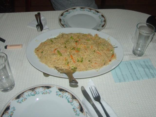 порция лапши в гесте Moni
