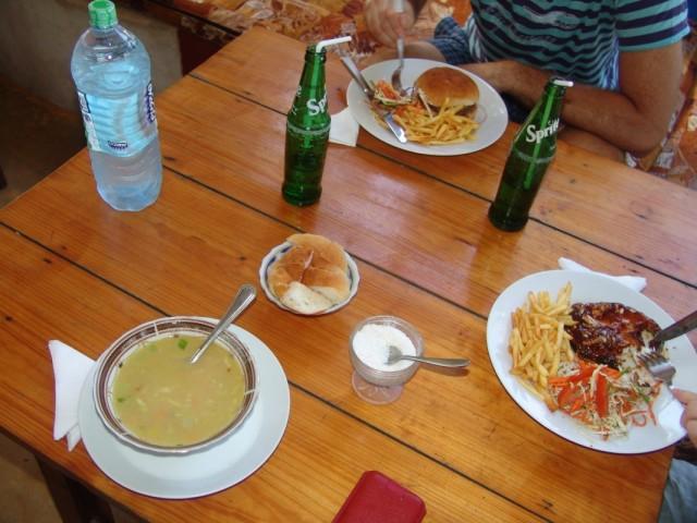 Обед в Arugam Bay
