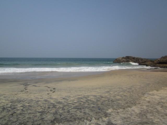 ихий охраняемый пляж по другую сторону от маяка, здесь видели дельфинов