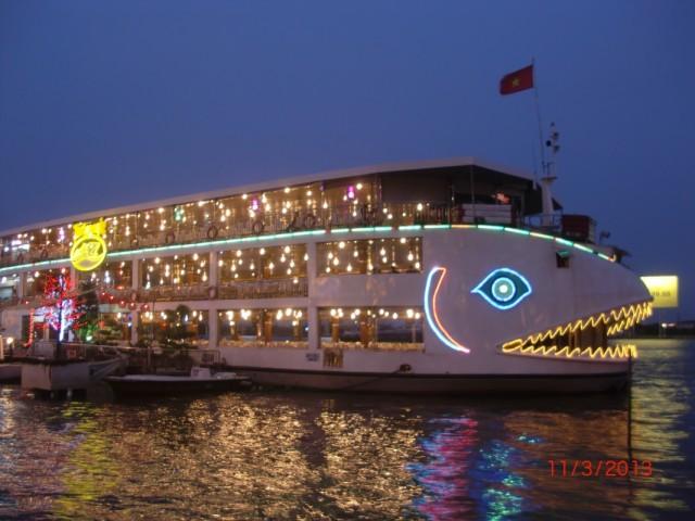 Кораблик-ресторан