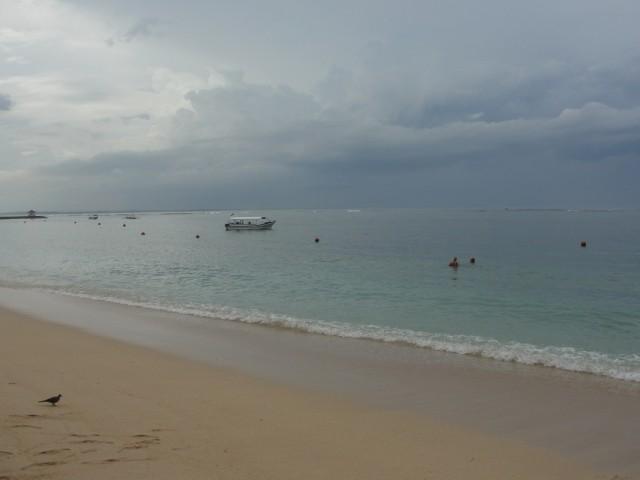 Пляж в Нуса Дуа, отель The Lagoona