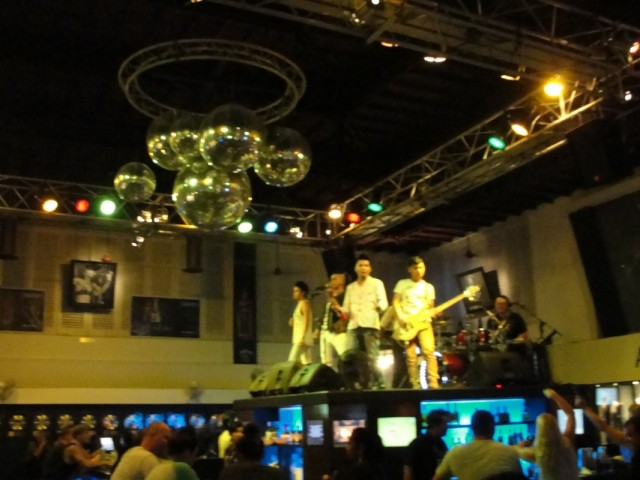 Hard Rock Cafe в Куте (очень классное место)