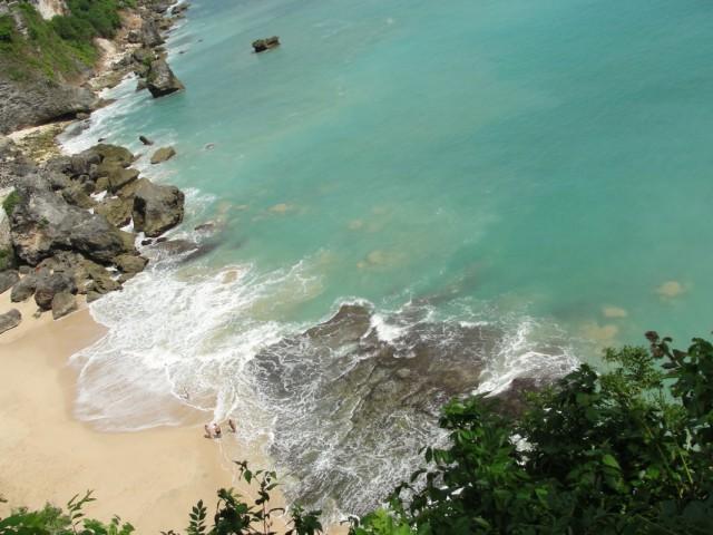 один из пляжей в Джимбаране