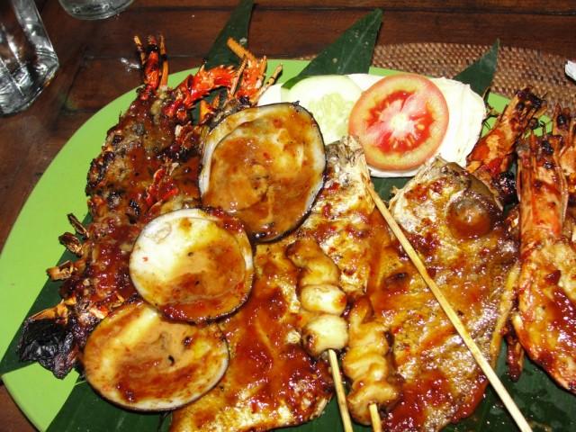 """Наш """"прощальный ужин"""" в ресторанчике в Джимбаране (сколько это стоило не поиню)"""