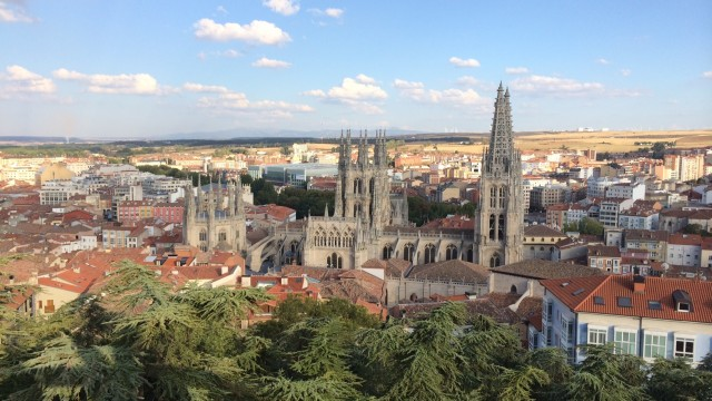 собор в малоизвестном городе бургас (кулинарная столица испании и там жила любовница штирлица) по красоте внутри - римский святой петр отдыхает