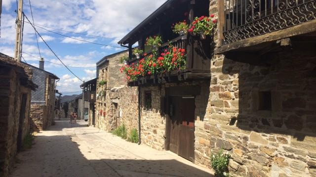 когда я пришел в эту деревню я решил, что я в испанском манали и я буду сегодня тут жить