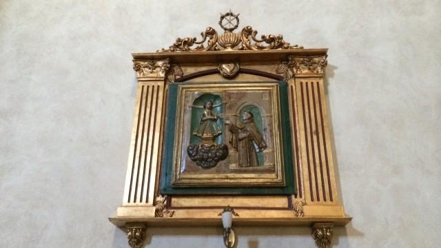 Вот картинка святой антоний играет в карты с младенцем христом, такие все пожгла инквизиция, единичный экземпляр