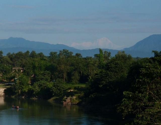 Дхау и речка с крокодилами.