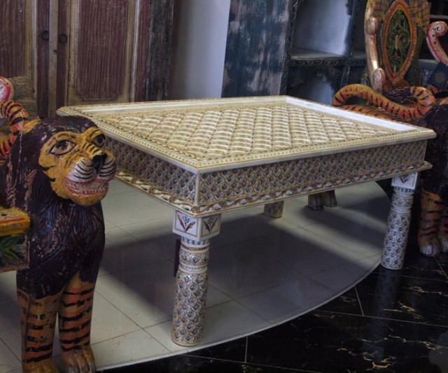 Кофейный столик Махараджей.