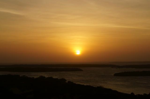 Закат на Киваю