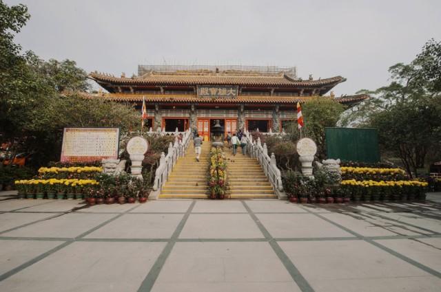 Храм на территории