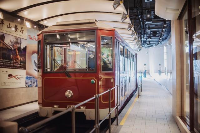 Трамвайчик, идущий на Пик Виктория