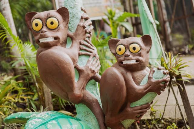 А так видят торсиеров месные скульпторы :)
