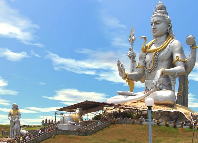 статуя Шивы в Мурдешваре